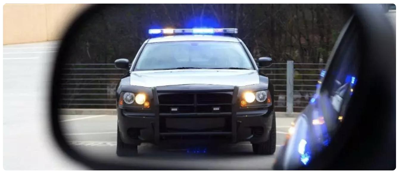 在美国开车的注意事项-如何和美国警察打交道?遇到pull over怎么办?