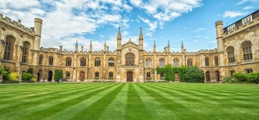 英国大学本科/研究生留学一年,学费和生活费各需要多少?-英国留学费用计算器